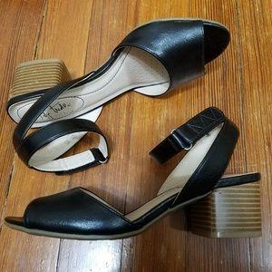 Life Stride black ankle strap sandals